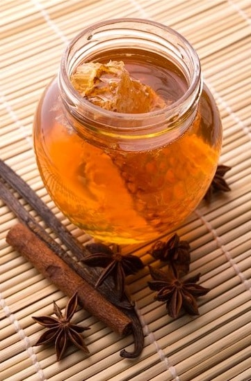 Honey and Cinnamon cleanse requires raw honey and powder cinnamon