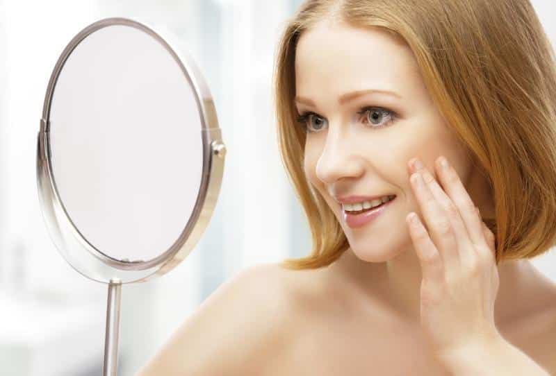 Treating redness in face can be done with cold compresses