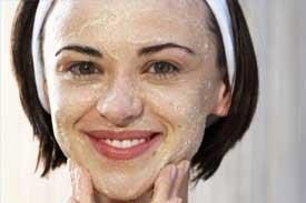 Baking-Soda-and-Oatmeal-Face-Scrub