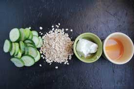 Oatmeal,-Yogurt-and-Cucumber-Scrub