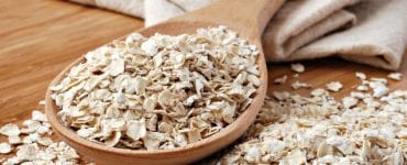 Oats are one of the super foods that lower cholesterol