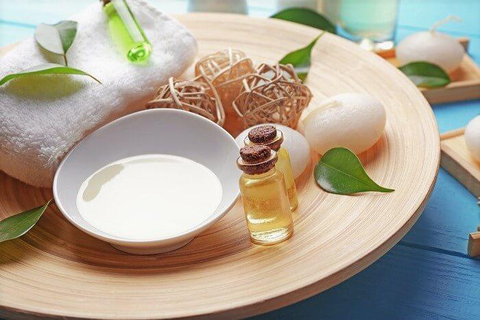 tea tree oil on a plate mix
