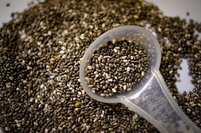 chia seeds with teaspoon