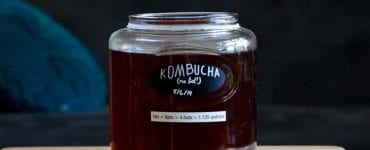 jar of kombucha tea for teh kombucha health benefits