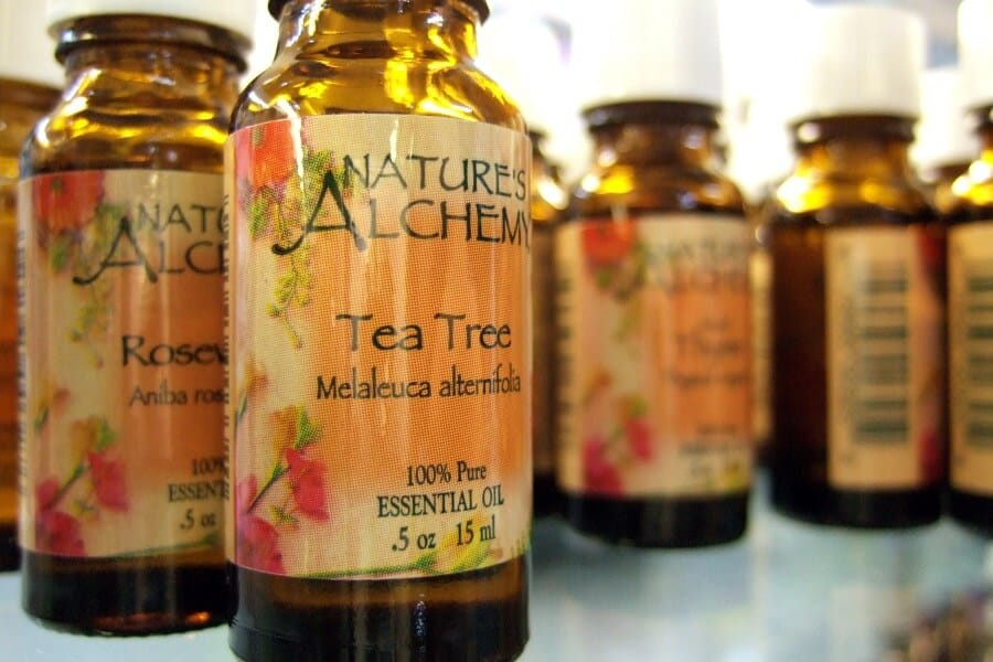 Tea tree oil dry brittle nails