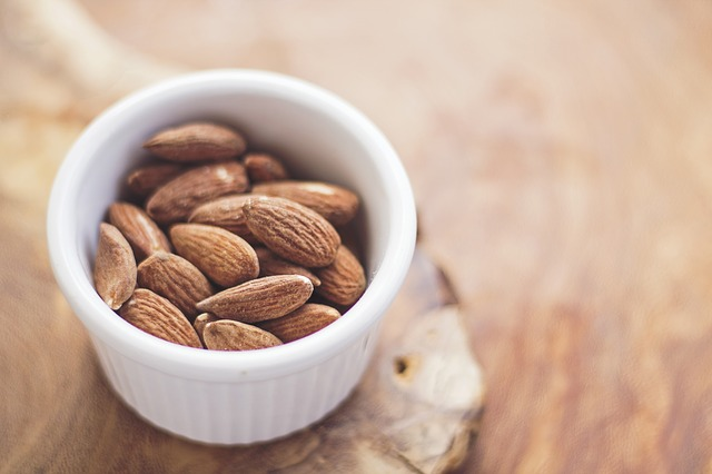 a fresh servings of almonds, helps regulate menstruation