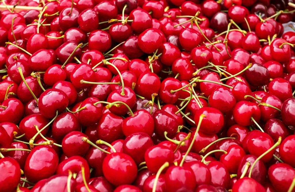 12 health benefits of cherries