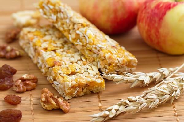 homemade energy bars with apples