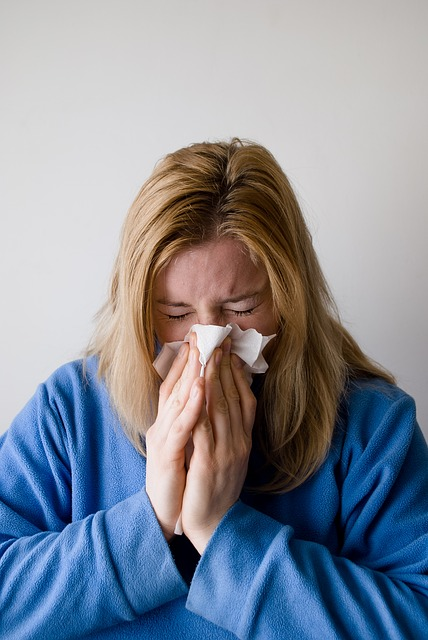 a woman experiencing symptoms of sinus infection